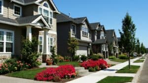 Pros and Cons of HOA Home Owners Association